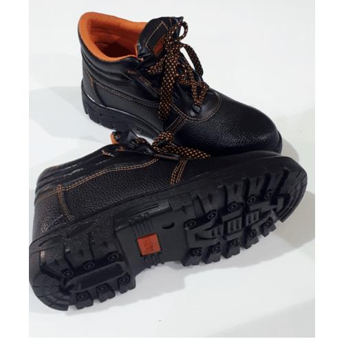 Protx รองเท้าเซฟตี้ พื้นเหล็ก เบอร์44 PW106 สีดำ