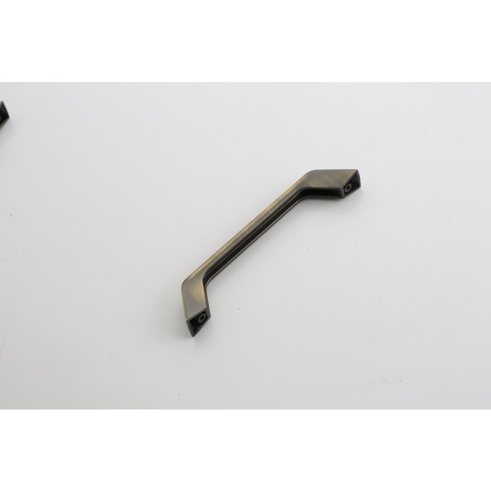 TORSTEN  มือจับเฟอร์นิเจอร์ซิงค์อัลลอยด์ ขนาด 245*17.2*25.1มม. สีเขียวด้าน 2382-KS