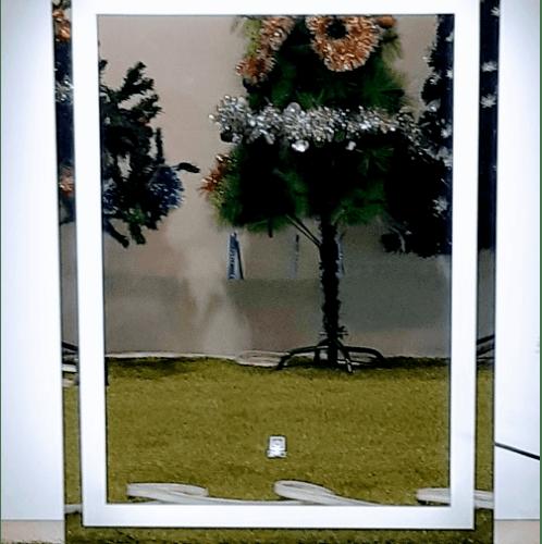 NICE กระจกเงาแบบมีไฟ LED ขนาด 100x118 cm. F1000 สีขาว